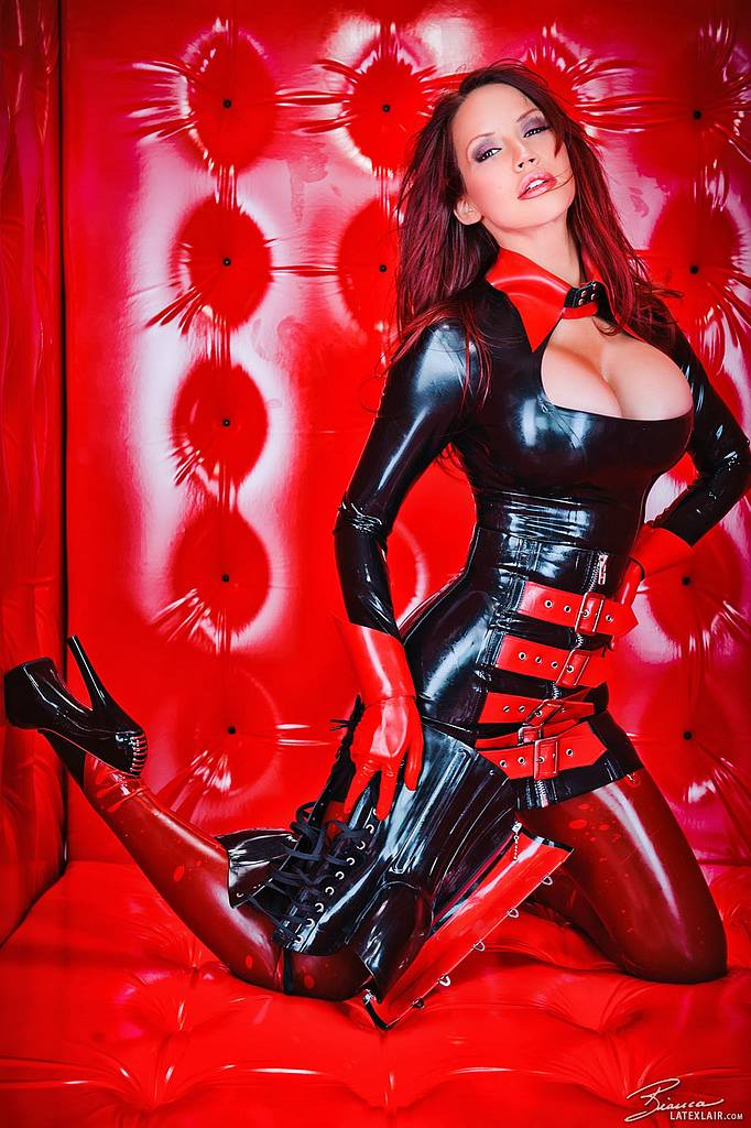 Viper Cosplay Latex And Leather Hotmovies 1